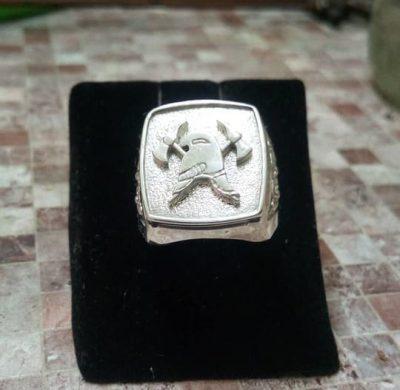 Серебряный перстень для пожарного и спасателя МЧС с пожарной символикой