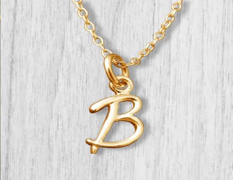 Кулон-подвеска из золота в виде буквы В