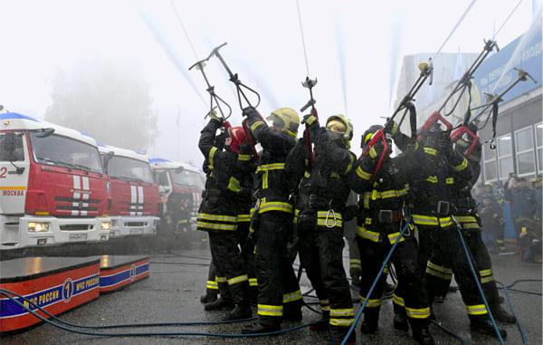 пожарные на празднике